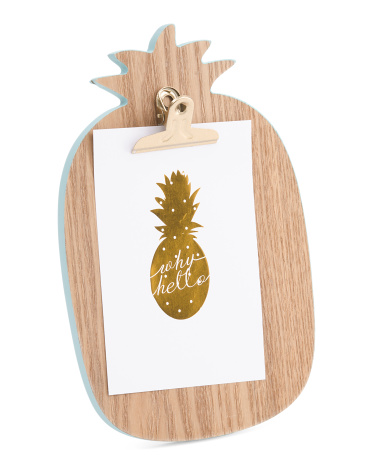 This versatile pineapple decor is cute and functional!