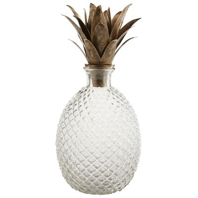 Pineapple decor can also be functional like this stunning decanter!