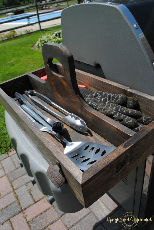 Keep grill accessories organized and easy to reach with this DIY grill tool box!
