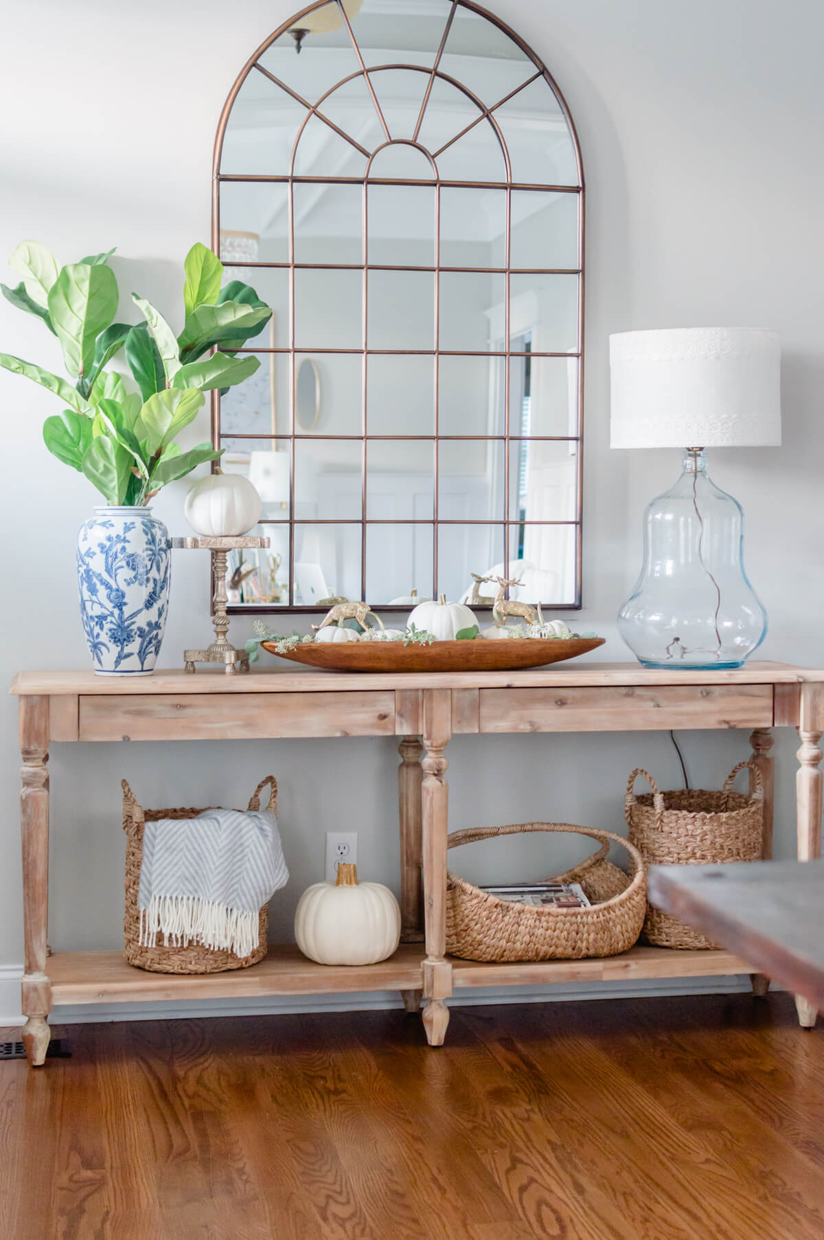 clean and natural fall decor