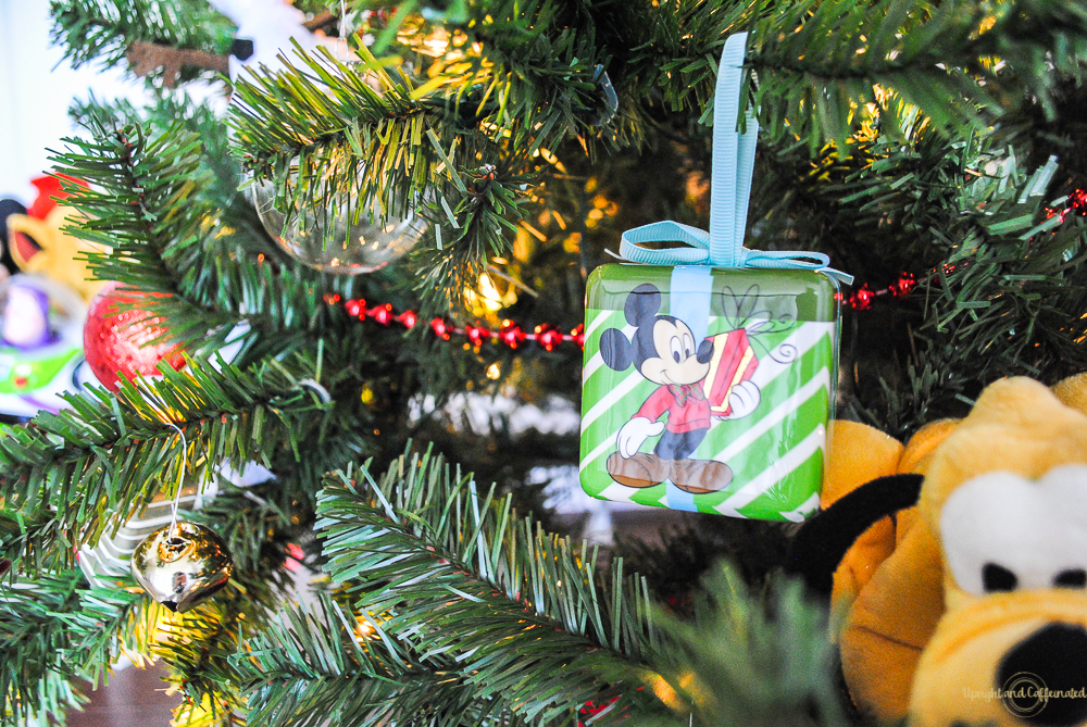 i just love these Disney Christmas tree decorations.