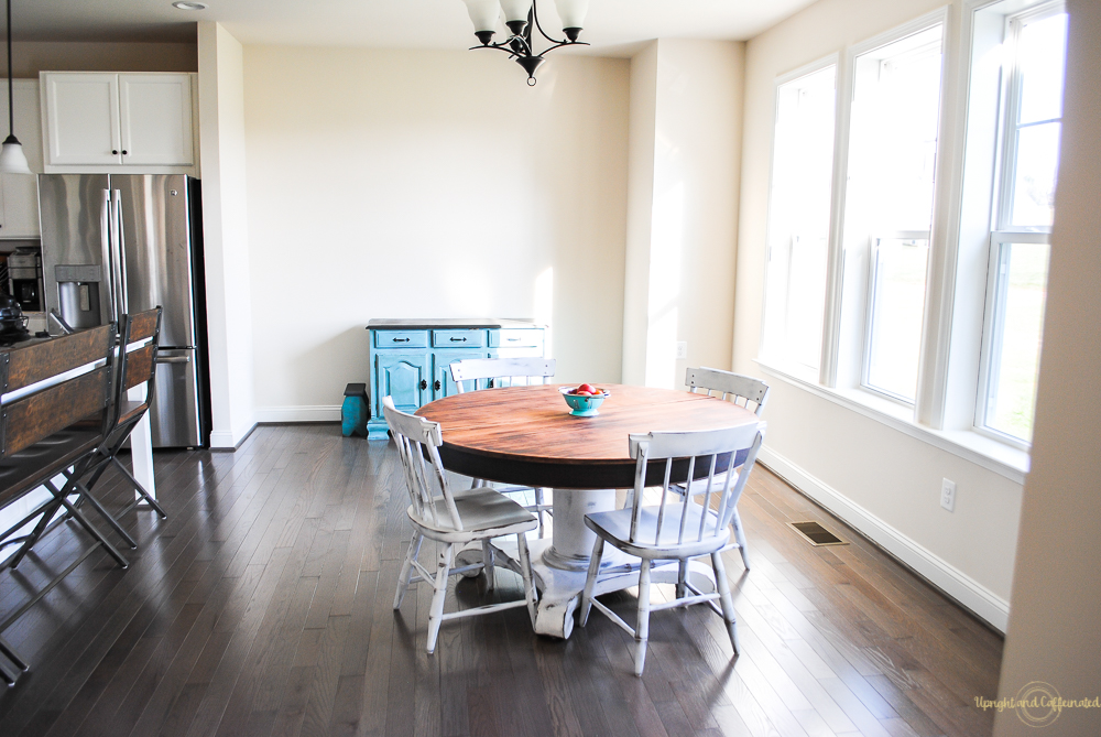 Love this kitchen and those chairs? I spray painted them. I'll teach you exactly how you can spray paint furniture.