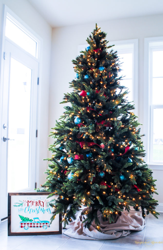 Get The Vintage Christmas Look By Decorating With Teal Red And White